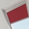 dakraam rolgordijn velux rood closeup