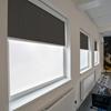 Afbeelding van Rolgordijn brede ramen Cassette rond - Luxe donkerbruin  gemeleerd Transparant